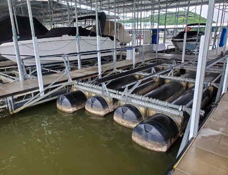 18,000 lb Poly Lift in boat slip