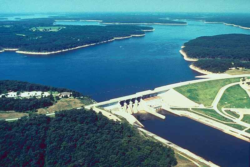Mark Twain lake and dam on the Salt River in Ralls County, Missouri.